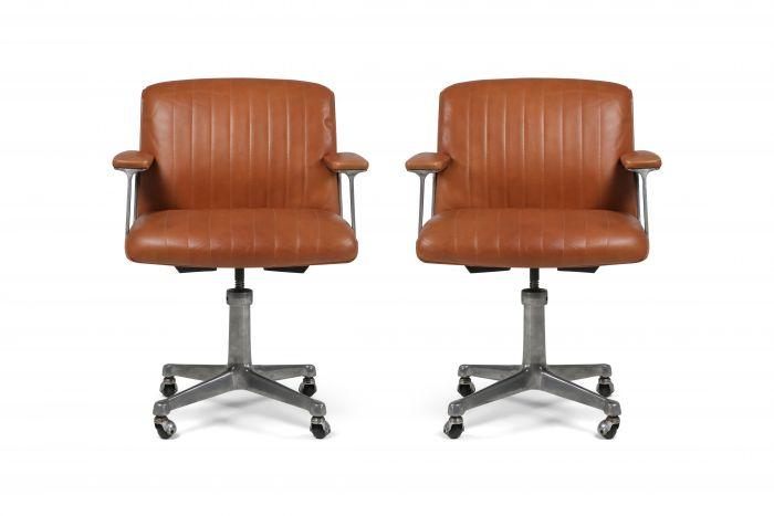 Osvaldo Borsani Pair of Cognac P126 Swivel Chairs for Tecno - 1960s
