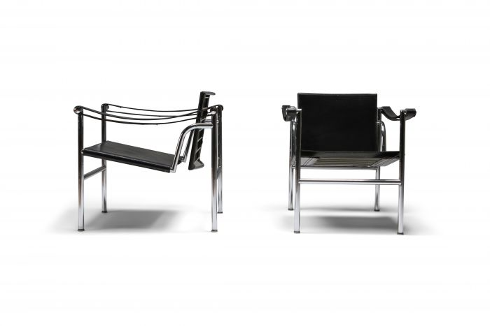 Vintage pair of LC2 Le Corbusier, Pierre Jeanneret, Charlotte Perriand - 1965