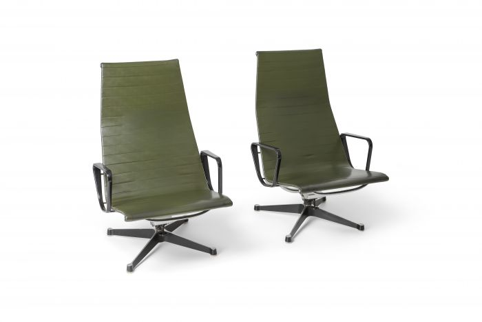 Charles & Ray Eames EA124 lounge chairs in Green Leather by Herman Miller - 1970s