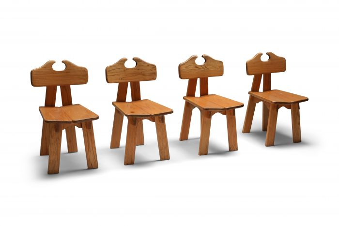 Spanish brutalist chairs in solid oak - 1970's