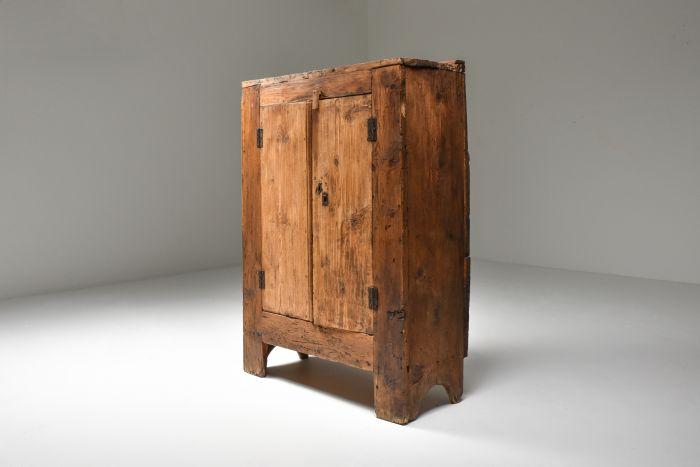 Rustic 'Art Populaire' Folk art storage piece from the Auvergne, France - 1800's