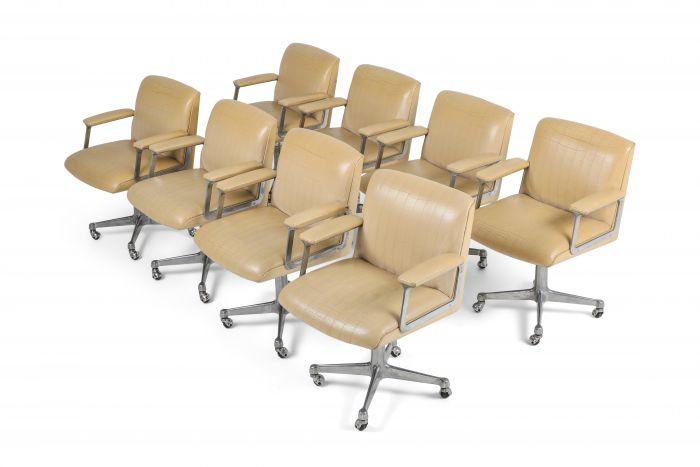 Osvaldo Borsani Set Of Eight P126 Swivel Chairs for Tecno - 1960s