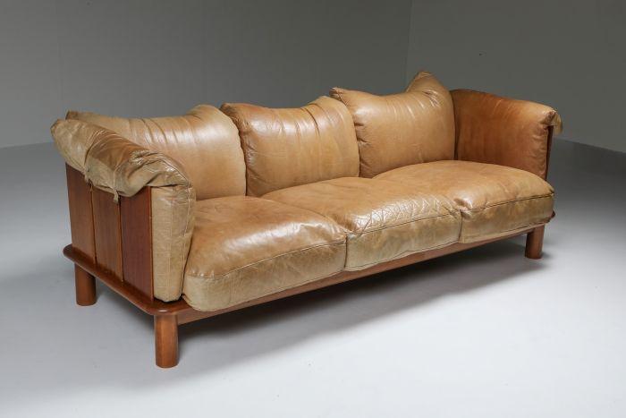 Camel Leather & Walnut Sofa from De Pas, D'Urbino Lomazzi for Padova - 1970s