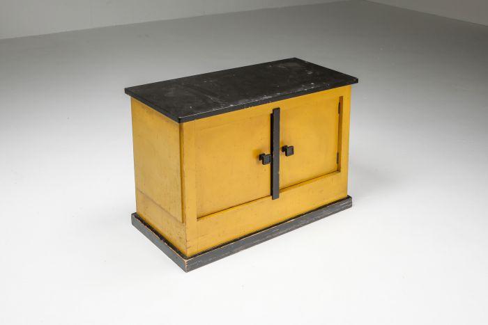 Dry bar cabinet by Dutch Modernist H.Wouda - 1924