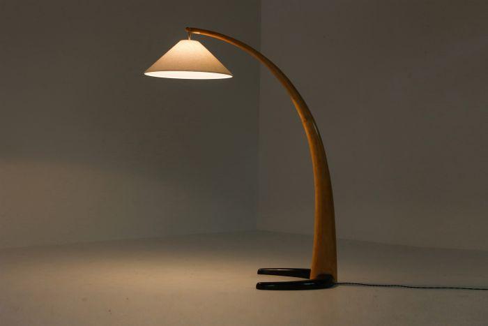 Italian wooden minimalist floorlamp with Japanese influences - 1950's